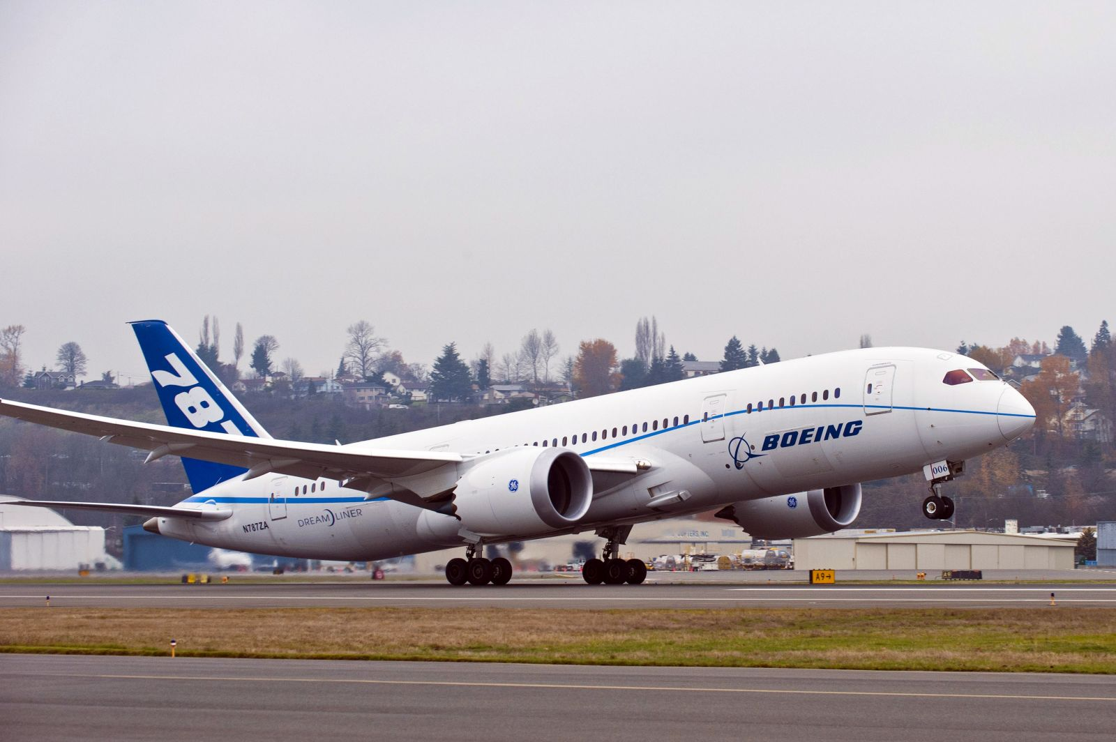 Boeing, Embraer open aviation biofuel research center in Brazil